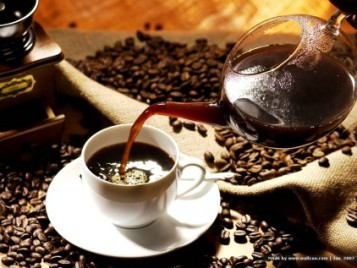 pouring-coffee_422_36376