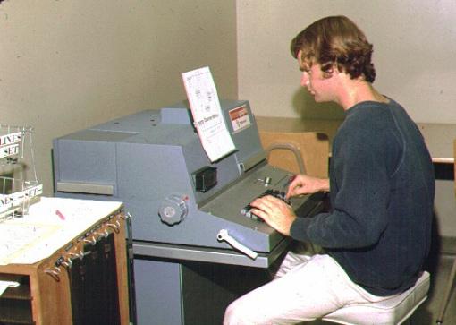 old-school-newsroom