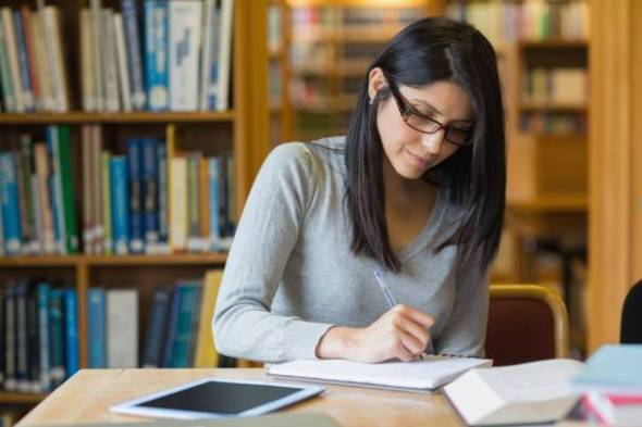 Higher-education reformers shouldn't have to rely on the government to experiment with new methods. (Thinkstock)