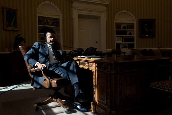 WASHINGTON, DC - FEBRUARY 13: In this handout from the White House, U.S. President Barack Obama talks on the phone while in the Oval Office with British Prime Minister David Cameron on February 13, 2012 in Washington, D.C. (Photo by Pete Souza/The White House via Getty Images)