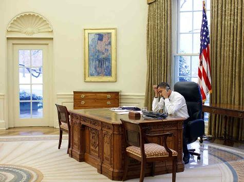 obama_alone_wh_photo