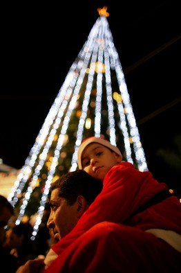 LOOKING UP: Celebrating Christmas in Nazareth, December 2012 Reuters
