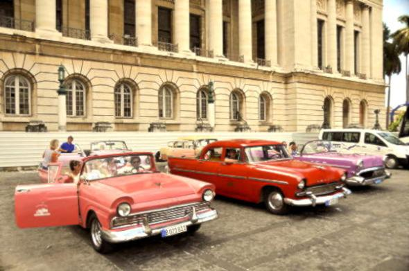 Classic cars for rent in Havana
