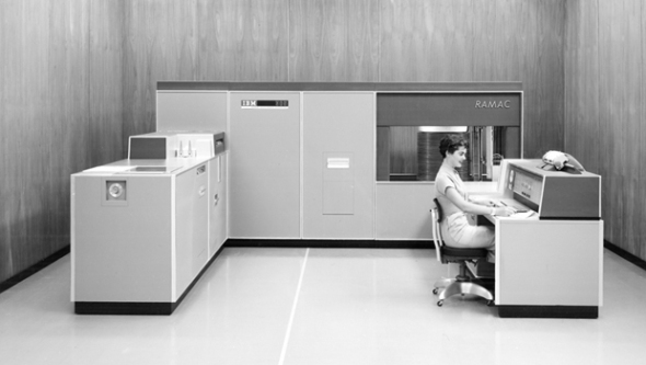 us__en_us__ibm100__ramac__woman_works_305__620x350