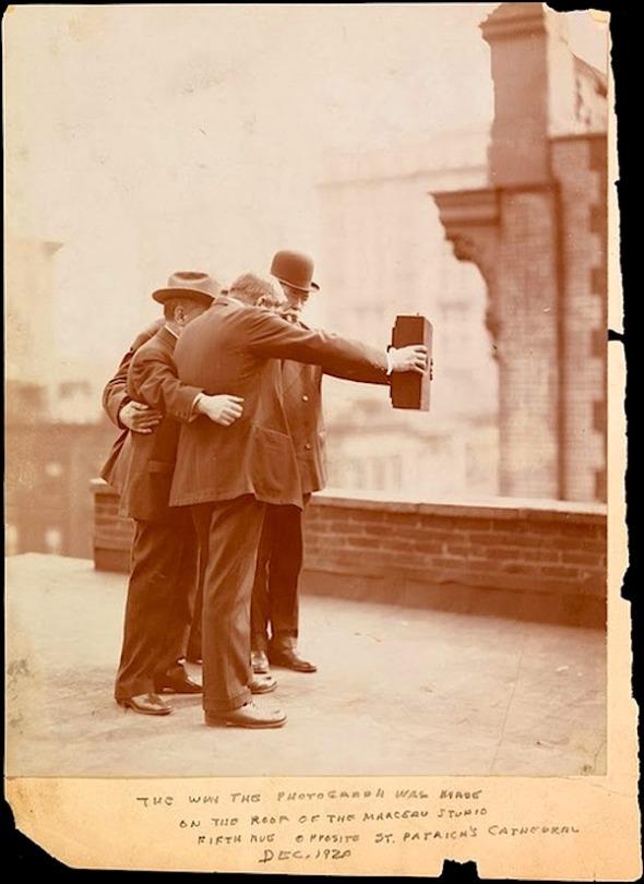 1929-selfie
