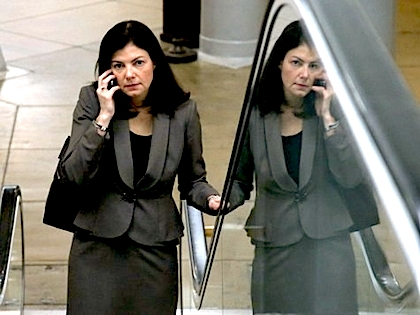kelly-ayotte-escalator-afp
