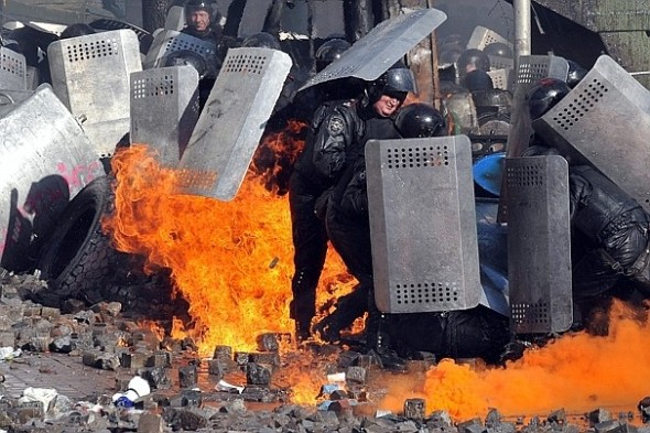At least 13 killed in Ukraine protests: Violent clashes between hard-line protesters and police erupted Tuesday in Kiev, the Ukrainian capital, after more than a week of relative calm, leaving at least 13 people dead and many more wounded.