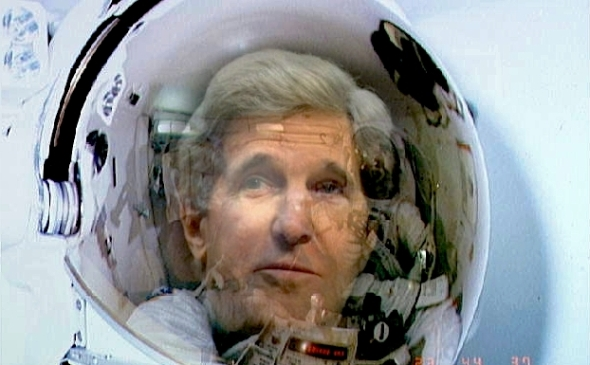 kerry-space-helmet