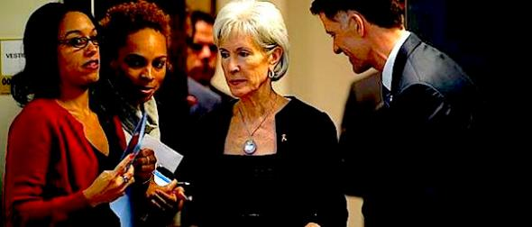 U.S. Health and Human Services Secretary Kathleen Sebelius attends an event held in observance of World AIDS Day at the White House in Washington December 2, 2013. U.S. President Barack Obama and his HealthCare.gov website face another critical test starting this week, as Americans who have been unable to enroll in health coverage under Obamacare rush to a site that continues to face challenges. REUTERS/Kevin Lamarque