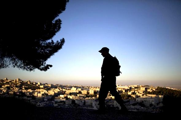 isreali-soldier