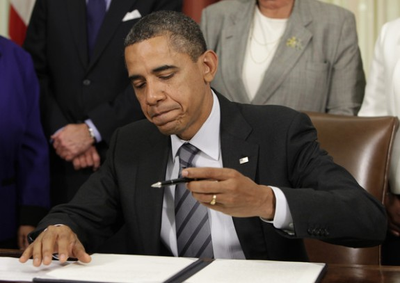 Obama-Signs-Executive-Order