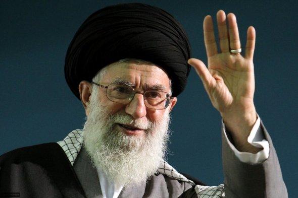 khamenei_moalleman-khamenei