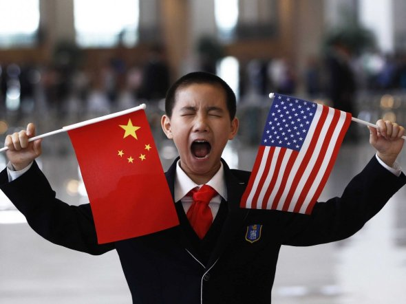 chinese-us-flags