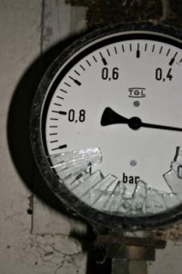 broken-meter--numbers_19-96788