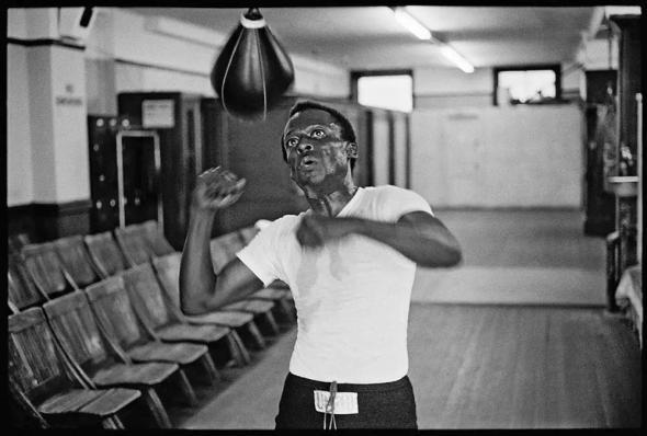 miles-davis-boxing