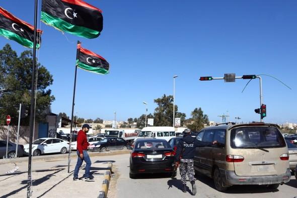 BN-GQ414_libya0_P_20150127042831