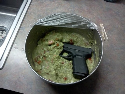 He should have defended himself with this: Glockamole
