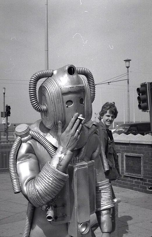 Robot-smokes