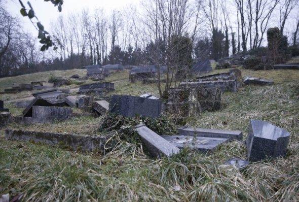 sarre-union-jewish-cemetery