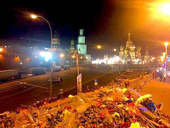 flowers-kremlin-Putin
