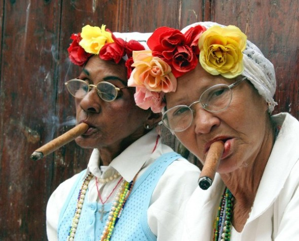 women-cigars
