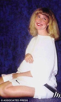 Mary-Kay-L-Proud_She_is_pictured_showing_off_her_pregnancy_bump_in_a_photo