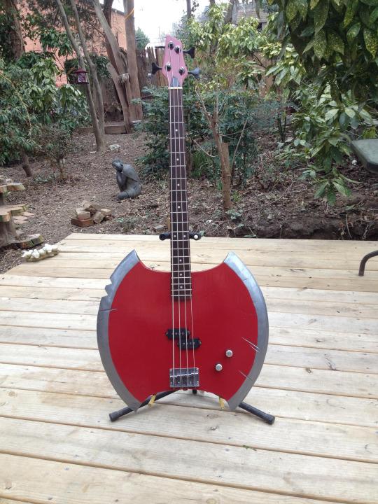 axe-guitar