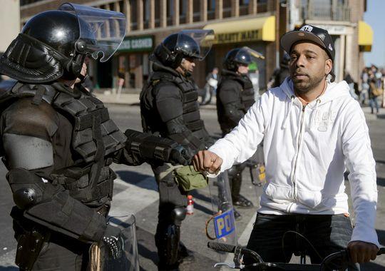 fist-bump-cop