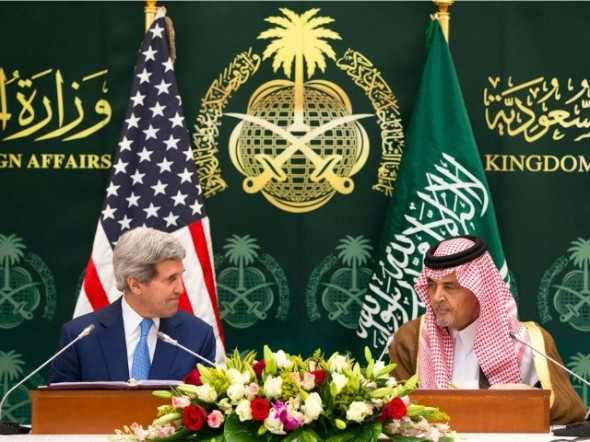 John-Kerry-Saud-bin-Faisal-bin-Abdulaziz-Al-Saud-AP-640x480