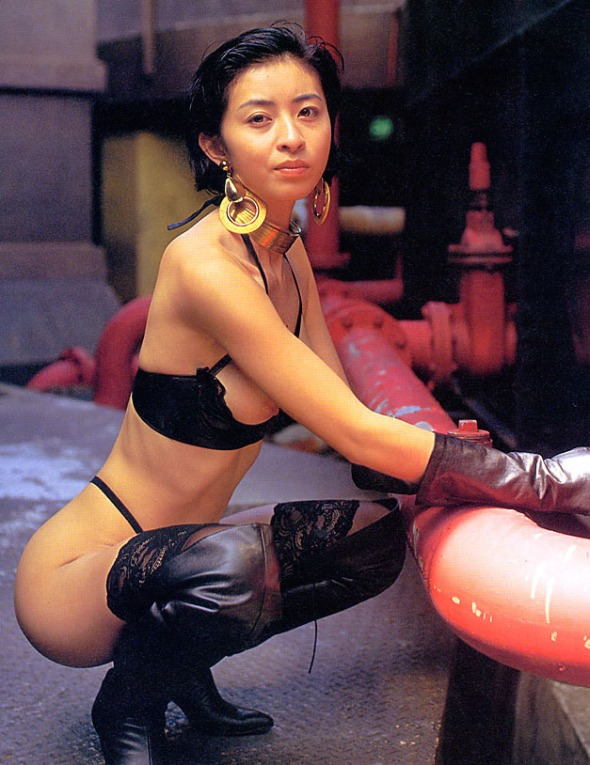 Adult actress Miki Mayuzumi