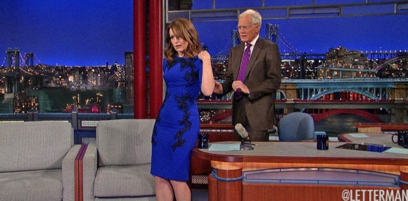 david-letterman-helps-tina-fey-remove-her-dress-as-a-part-of-a-lastdressever-stunt-on-the-actress-final-appearance-on-his-show-may-7-2015