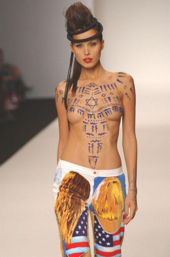 petra_nemcova_painted_and_topless_on_catwalk_008