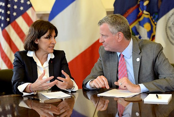 Paris Mayor Anne Hidalgo meets with New York City Mayor Bill de Blasio at City Hall in New York, May 30, 2014. Anne Hidlago is on a two-day visit to New York.      EMMANUEL DUNAND/AFP/Getty Images)
