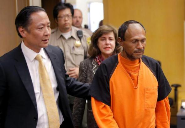 Francisco Sanchez, right, is lead into the courtroom for his arraignment in the shooting death of 32-year-old Kathryn Steinle. (Michael Macor/San Francisco Chronicle via AP, Pool)