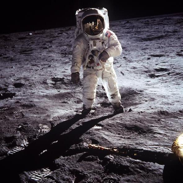 Armstrong-moon