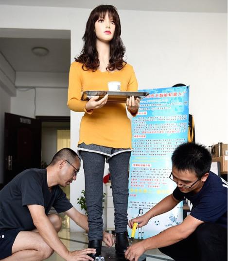 robot-waitress-zhejiang