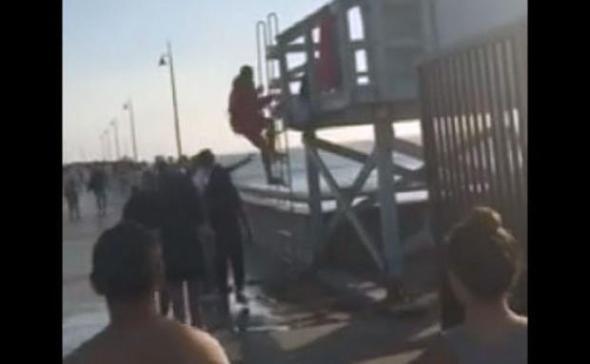 07-31-2015-venice-lifeguard-romy-dee