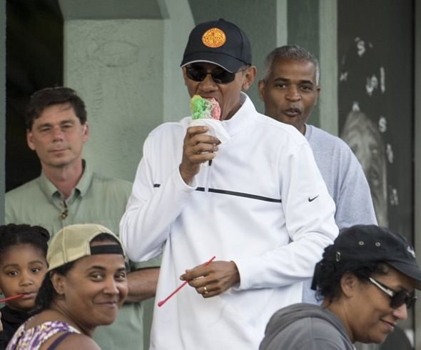 obama-hawaii-ice-cream