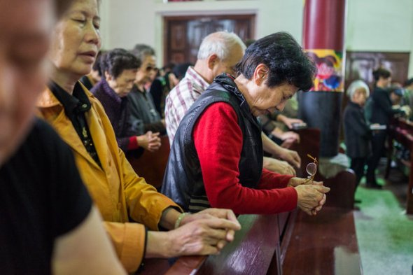 A Sunday service at a state-sanctioned church in Wenzhou in 2014. There are an estimated 60 million Christians in China. Credit Sim Chi Yin for The New York Times