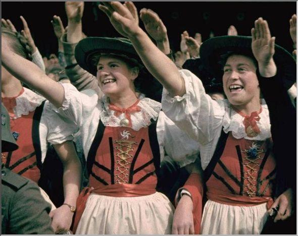 hitler-austrian-women