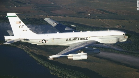 Chinese jet makes 'unsafe' intercept