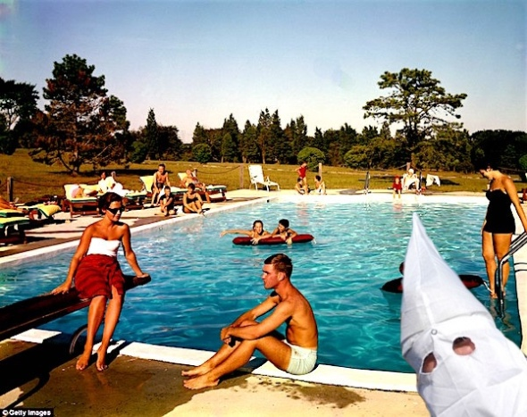 hamptons-vintage-pool-kkk