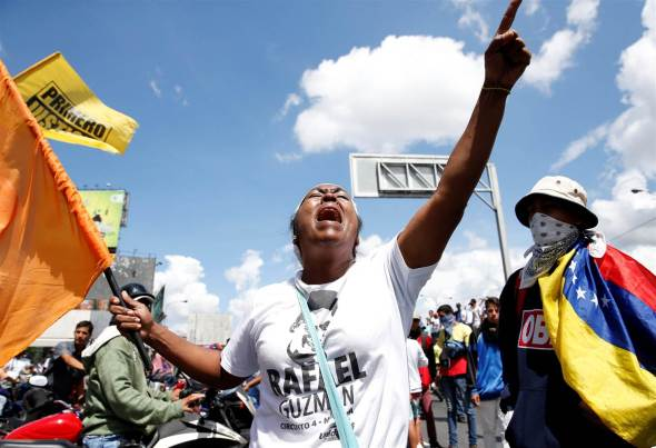160901-venezuela-protesters_93a9b00eee9bba8fee04cb27bad5ad1b-1.nbcnews-ux-2880-1000