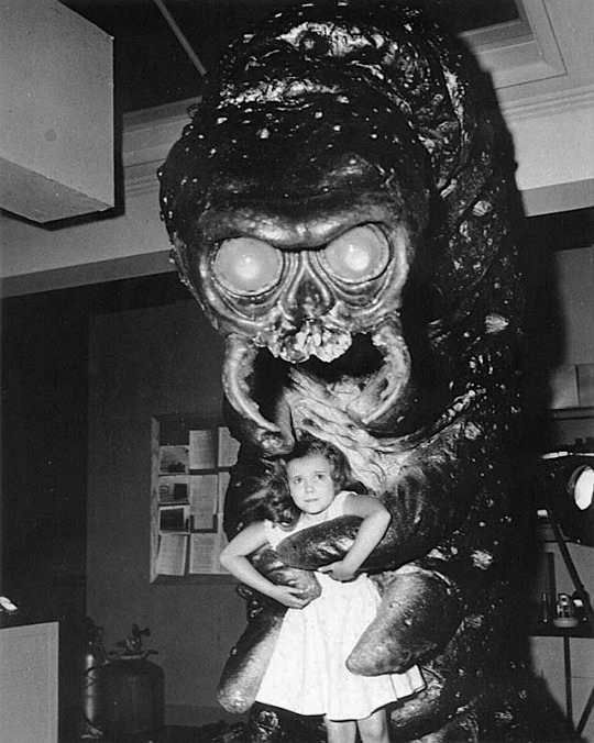 monster-with-girl