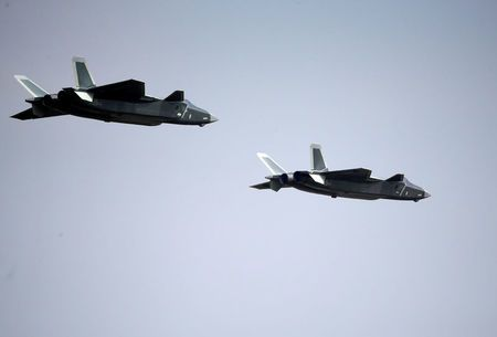 2016-11-01t082815z_1007000002_lynxmpeca01pf_rtroptp_2_cnews-us-airshow-china-jpg