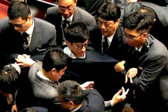 hongkong-politics-110216
